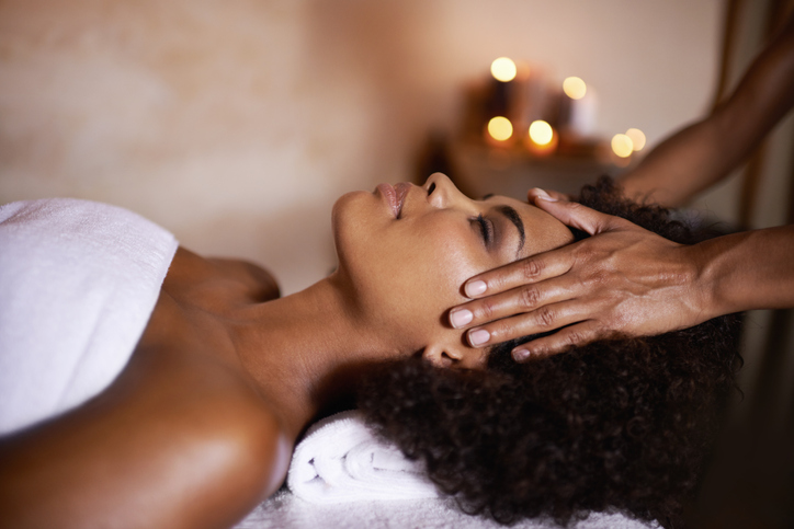 Getting a massage in a spa | Spas in Ellicot City